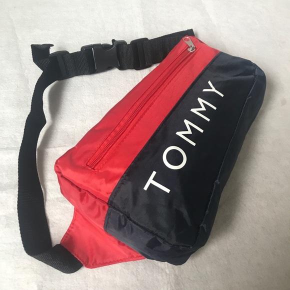 f2d6fa71 Tommy Hilfiger Crossbody Fanny pack waist bag. M_5b6fa124b6a942c8c4d9c457